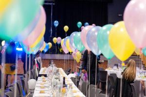 Lancement produit avec ballon gonflé hélium