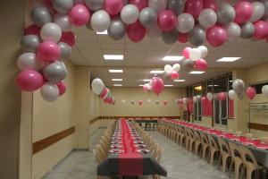 décoration salle en ballons