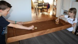 Location de jeu en bois, table à glisser en bois